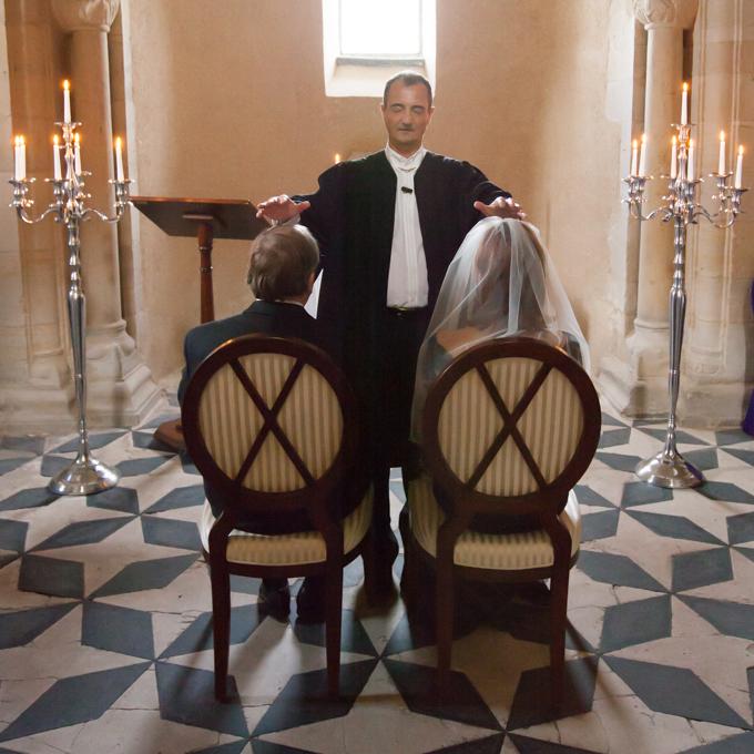 Hauskirchen können auch liturgische Trauungen und Beerdigungen